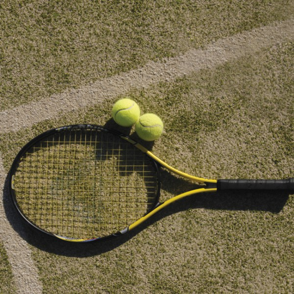 freycinet coles bay tennis court
